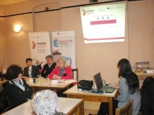 """Пројекат """"Знање свима"""" представљен у Удружењу жена """"Словенка"""" у Гложану"""