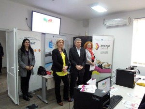 """У Зрењанину додељени сертификати последњој групи полазника обука у пројекту """"Знање свима"""""""