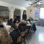 """Пројекат """"Бесплатном обуком до посла"""" представљен у Удружењу жена из Манђелоса"""